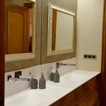 Espejo enmarcado Enmarcacion espejos blanca filo oro baño Aratz Enmarcaciones Vitoria