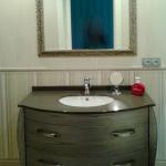 Espejo enmarcado Enmarcacion espejos plata baño2 Aratz Enmarcaciones Vitoria